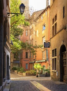 Garden of Eden - Empty street on a sunny morning in colorful Vieux Lyon, a…