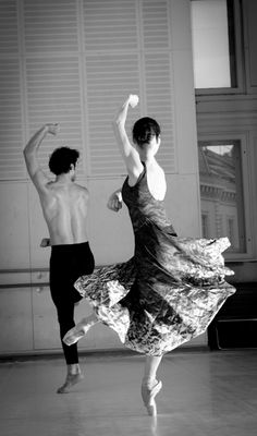 "Spain Art & Architecture Flamenco Ballet posted by ""la Griega"" Let ́s Dance, Love Dance, Shall We Dance, Dance Art, Mikhail Baryshnikov, Dancing In The Dark, Zumba, Dance Like No One Is Watching, Dance Movement"