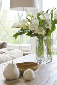 White floral arrangements. Simple white lilies for a minimalist arrangement.
