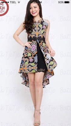 Asymmetrical batik dress with black lace accents Model Dress Batik, Batik Dress, Simple Dresses, Beautiful Dresses, Nice Dresses, Dress Batik Kombinasi, Mode Batik, Amarillis, Blouse Batik