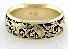 Yellow-gold engraved Victorian wedding ring in 14K gold.