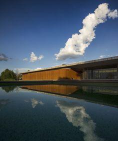 Architects: Studiomk27 Marcio Kogan, Samanta Cafardo | Location: Bragança Paulista, Saο Paolo, Brazil | Construction year: 2013 | Photographer: Fernando Guerra - FG+SG