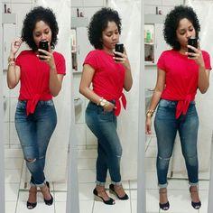 Camiseta vermelha, camiseta costumizada, calça, jeans, salto anabela