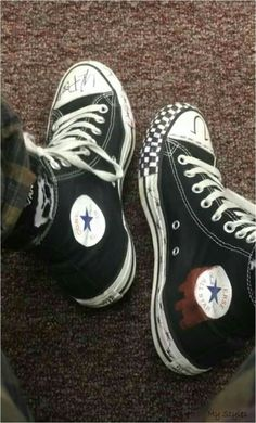 custom converse - - Source by suessnasenstern ideas converse Converse Chuck Taylor, Converse All Star, Converse Shoes, Converse Tumblr, Aesthetic Shoes, Aesthetic Grunge, Aesthetic Clothes, Custom Converse, Custom Shoes