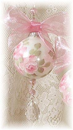 Beautiful hand painted Christmas ball~❥