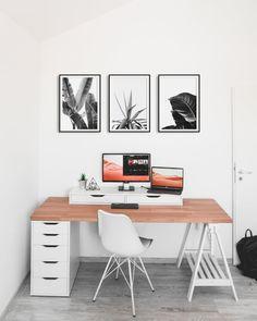 Black and White Flower Print Set of 3 Living Room Wall Art Computer Desk Setup, Workspace Desk, Gaming Room Setup, Pc Setup, Gaming Computer, White Desk Setup, White Desks, White Desk Office, Home Office Setup