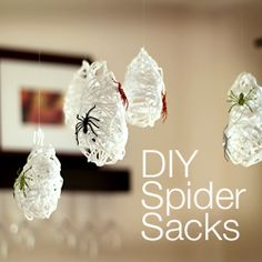Yep gonna do this one too...An easy & stylish Halloween decor project, great for kids and adults alike.