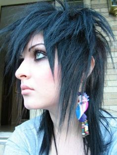 Here are some great examples of long emo haires for girls . Just remember one easy tip: Emo Hair can be worn black, dark brown, blond, or. Emo Hair Color, Scene Hair Colors, Rock Hairstyles, Gothic Hairstyles, Hairdos, Hair Styles 2014, Medium Hair Styles, Long Hair Styles, Emo Haircuts For Girls