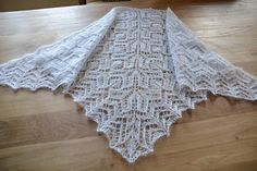 Ravelry: Lac pattern by Corinne Ouillon