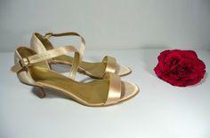 Sandálky - vanilkovozlatá satén, Veľ 40, Cena vo výpredaji 34,- Eur Sandals, Model, Shoes, Fashion, Slide Sandals, Moda, Shoes Sandals, Zapatos, Sandal