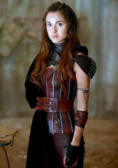 cintura e bracciale Amberle Elessedil The shannara Chronicles di LeatherFactoryit su Etsy