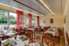 Beginnen Sie den Tag mit Frühstück im Speisesaal des AKZENT City Hotel Kleve.