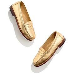 Bass® & Company Gold Weejuns (I had to wear penny loafers with my high school's uniform. I haven't worn them since, but I would rock these! Posh Beckham, Best Comfortable Shoes, Bass Shoes, Cute Flats, Travel Shoes, Gold Shoes, Penny Loafers, Me Too Shoes, Madewell