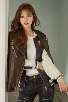 Hq] miss a suzy for guess korea f/w 2016 all guess Bae Suzy, Kpop Fashion, Asian Fashion, Girl Fashion, Fashion Outfits, Suzy Bae Fashion, Ulzzang Fashion, Korean Beauty, Asian Beauty