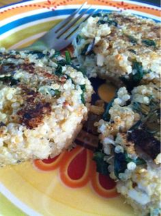 Creamy Daiya Quinoa Patties (vegan) Great idea for a meatless burger, sub fast friendly mashed potato to bind instead of pho-dairy