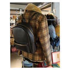 #ecopelliccia #tartanstyle  #zainetto #pezzounico  #artisanal Tartan, Leather Backpack, Fashion Backpack, Backpacks, Inspirational, Bags, Style, Handbags, Swag