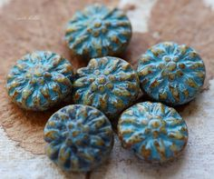 ✿Please read my shop announcement for upcoming shipping days, thank you!!!✿   Gorgeous beads, love, love, love..... Cream base glass, coated in an amber Picasso finish and blue Picasso wash. Blue Cream Dahlias.....  Q u a n t i t y :: 6 beads  S i z e :: approx. 14mm, {1/4 inch = 6.35 mm} H o l e . S i z e :: less than 1mm  C u t / s h a p e :: round dahlia, flower  F i n i s h :: Picasso  O r i g i n :: Czech Republic  ✿I TAKE MY PICTURES WITH A MACRO/CLOSE UP LENS IN NATURAL SUNLIGHT. THIS…