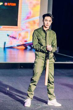 Lay-Yixing
