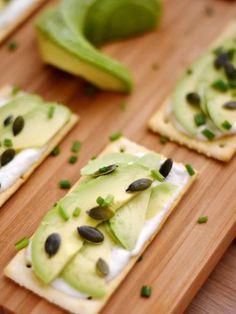 poivre, citron, cracker, huile d'olive, graine de courge, graine germée, mascarpone, fromage blanc, avocat, sel