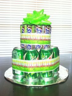 Snickers and Mountain Dew cake I made to send to Josh at college for his birthday. Soda Can Cakes, Beer Can Cakes, Soda Cake, Birthday Candy, Birthday Gifts, Cake Birthday, Mountain Dew Cake, Cake In A Can, Alcohol Cake