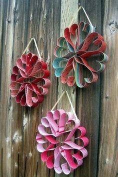 Heart Wreaths- cute craft idea for Valentine's Day Valentine Wreath, Valentine Day Crafts, Be My Valentine, Holiday Crafts, Valentine Ideas, Christmas Holiday, Kids Crafts, Diy And Crafts, Arts And Crafts