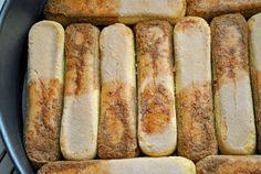 Θεϊκή τούρτα πραλίνα φουντουκιού! Θα σαρώσει! Sweet Bakery, Easy Desserts, Hot Dog Buns, Sweet Home, Food And Drink, Bread, Chocolate, Puddings, Crafts