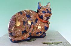 Rare Large Antique Porcelain Vintage Old Maneki Neko Japanese Moriage Imari Lucky Kutani Cat Statue