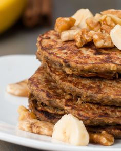 Panqueca saudável de aveia e banana - Kitchen - Breakfast And Brunch, Breakfast Dishes, Breakfast Recipes, Pancake Recipes, Healthy Blueberry Pancakes, Banana Oatmeal Pancakes, Chocolate Chip Pancakes, Oat Pancakes, Banana Oats