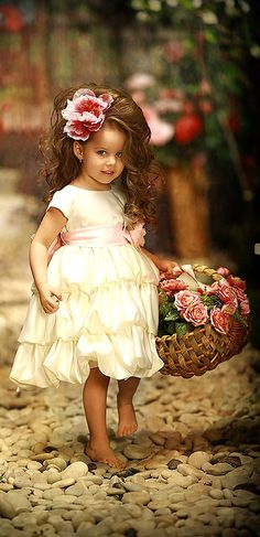 Weddbook ♥ Cute little flower girl with the big flower on the head and a lovely basket in her hand. lovely and amazing it looks.We can admire the flower girls Precious Children, Beautiful Children, Beautiful Babies, Beautiful People, Cute Kids, Cute Babies, Baby Kids, Little Princess, Southern Belle