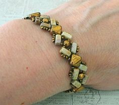 Linda's Crafty Inspirations: Bracelet of the Day: Lucy Bracelet - Green Luster