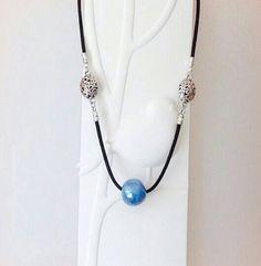 Retrouvez cet article dans ma boutique Etsy https://www.etsy.com/fr/listing/249585651/collier-perle-turquoise-en-ceramique