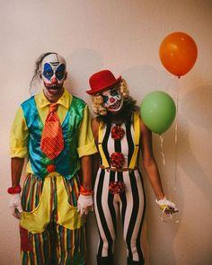 Resultado de imagen de clown halloween party Scary Couples Halloween Costumes, Funny Couple Costumes, Creepy Costumes, Costume Halloween, Halloween Diy, Diy Couples Costumes, Zombie Couple Costume, Halloween 2017, Costume Ideas