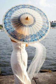 ,beautiful blue and white parasol Baltimore Aquarium, Bleu Pale, Under My Umbrella, Sun Umbrella, Fancy Umbrella, Sun Parasol, Lace Parasol, White Umbrella, Brollies