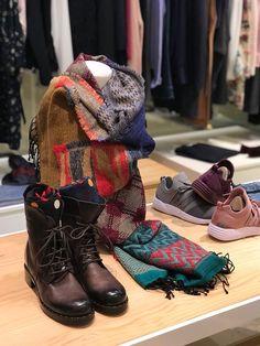 Tienda #ElisaRivera en Arturo Soria   #shopping #flatforms #flatformshoes #moda #tienda #conceptstore #womensfashion #womenswear #womensclothing #botas #sales #rebajas #cdomplementos