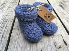 Crochet Baby Booties    What Franka Makes  mijn Etsy shop https://www.etsy.com/nl/listing/476491559/haakgarens-baby-laarsjes-cuffed-gehaakte