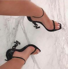 Trending High Heel Sandals for Sale in Lynnwood, WA - Hig Heels Dr Shoes, Hype Shoes, Me Too Shoes, Ysl Heels, Sexy Heels, Stilettos, Fancy Shoes, Pretty Shoes, Mode Lookbook
