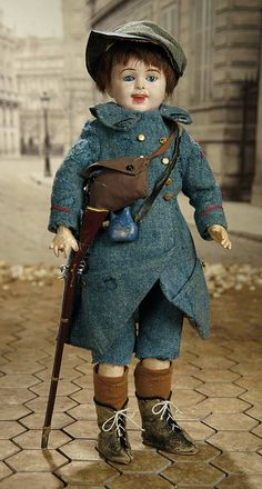 """""""Fascination"""" - Sunday, January 8, 2017: 162 Rare French Composition Soldier, Model 236, in Original Military Uniform"""