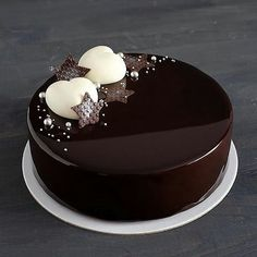 52 ideas cake decorating designs chocolate decorations for 2019 Chocolate Cake Designs, Dark Chocolate Cakes, Chocolate Decorations For Cake, Cake Decorating Designs, Cake Decorating Techniques, Decorating Ideas, Bolo Chalkboard, Mirror Glaze Recipe, Mirror Glaze Cake