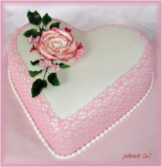 Svatební srdce s krajkou   dorty od mámy