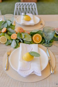 Home Interior Styles Host a Citrus Theme Party - Fashionable Hostess.Home Interior Styles Host a Citrus Theme Party - Fashionable Hostess Miami Beach Party, Fashionable Hostess, Lemon Party, Esstisch Design, Orange Party, Tea Party Decorations, Oranges And Lemons, Host A Party, Table Settings