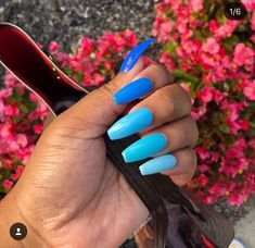 Minimal Blue Nail Art Design for Winter 2019 Blue Acrylic Nails, Coffin Nails Matte, Summer Acrylic Nails, Summer Nails, Winter Nails, Long Nails, My Nails, Colorful Nail Designs, Colorful Nails