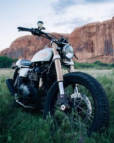 One of the bikes you'll get to see in Moab @mikezehner's Mule tracker . #motorcycle #caferacer #flattracker #mulemotorcycles #moab #offroad #utah #triumph #bonneville #triumphclassics by nostalgia_memoir