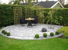 Making something of the corner Front Yard Garden Design, Garden Yard Ideas, Patio Design, Back Gardens, Small Gardens, Outdoor Gardens, Backyard Landscaping, Backyard Patio, Garden Paving
