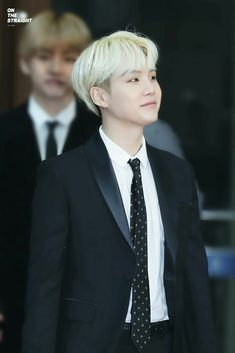 Jungkook From Bts With Blonde Hair Crap He Looks So Good Kpop