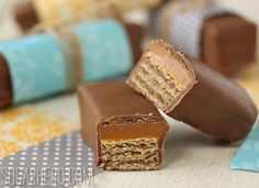 Twix Kat Candy Bars - caramel and wafers covered in chocolate