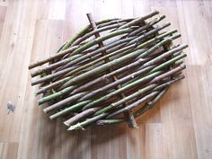 Willow Tension Tray  (tutorial) - Making these is a simple skill to have, but could come in very handy. Very easy and quick to make.