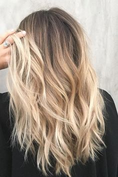 30 blonde hair colors for autumn bring you straight to your stylist - . - 30 blonde hair colors for autumn bring you straight to your stylist - Color Ombre Hair, Fall Blonde Hair Color, Blonde Hair Looks, Fall Hair Colors, Brown Blonde Hair, Bright Blonde, Hair Color Balayage, Darker Roots Blonde Hair, Dark Roots Blonde Hair Balayage