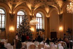 Der schönste Weihnachtsbaum in #salzburg im Restaurant Stiftskeller St. Peter