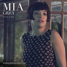 Rita Ora é Mia Grey, a irmãzinha de Christian. #CinquentaTonsFilme