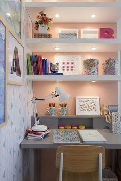 Tener un espacio bonito y organizado nos ayudará siempre a tener más inspiración para crear y hacer nuestros proyectos ¿renovamos nuestro escritorio crafty? ¡22 ideas para conseguirlo!